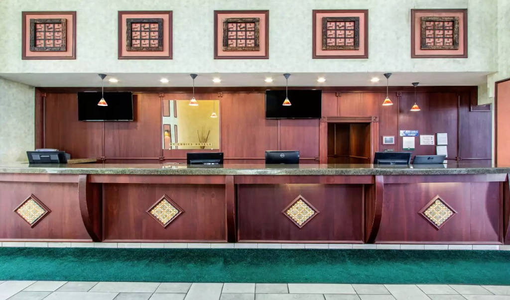 Quality Inn & Conference Center Tampa - Reception