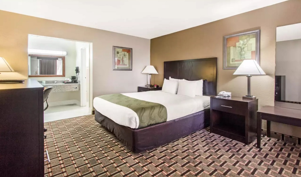 Quality Inn Long Island City Bed Bugs Best Island To Visit 2017