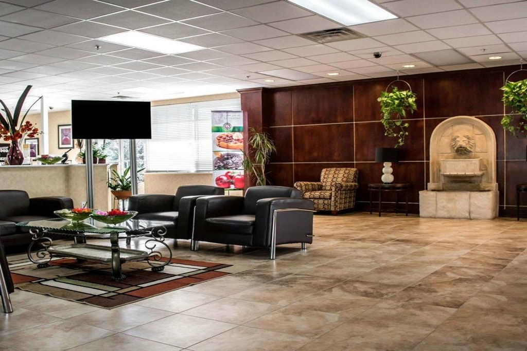Quality Inn & Suites Ybor City - Lobby Area