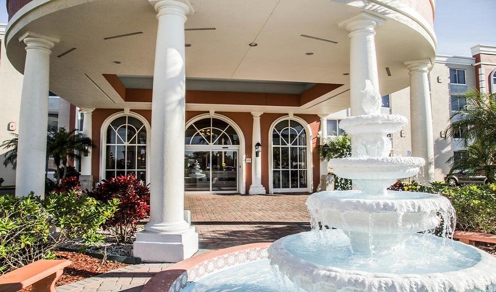 Quality Inn & Suites Orlando Florida Turnpike - Exterior-2