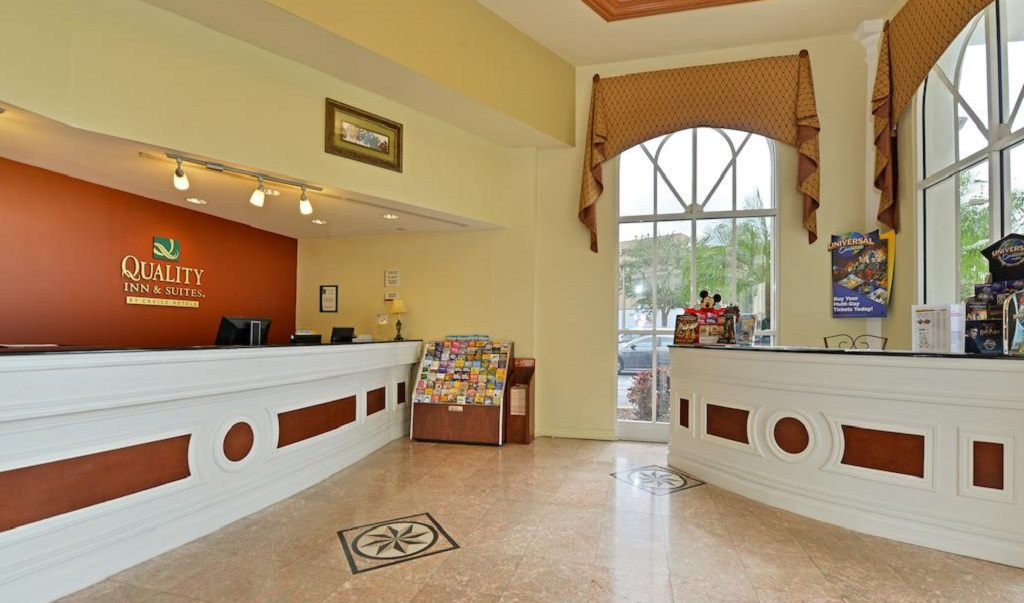 Quality Inn & Suites near Universal Studios - Lobby-1
