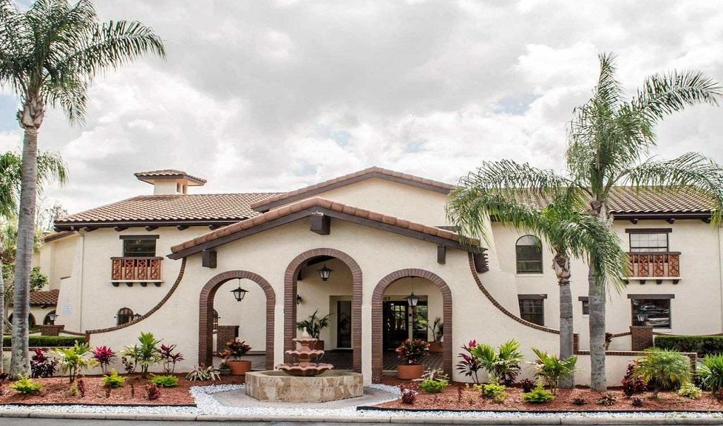 Quality Inn & Suites Tampa - Exterior-2