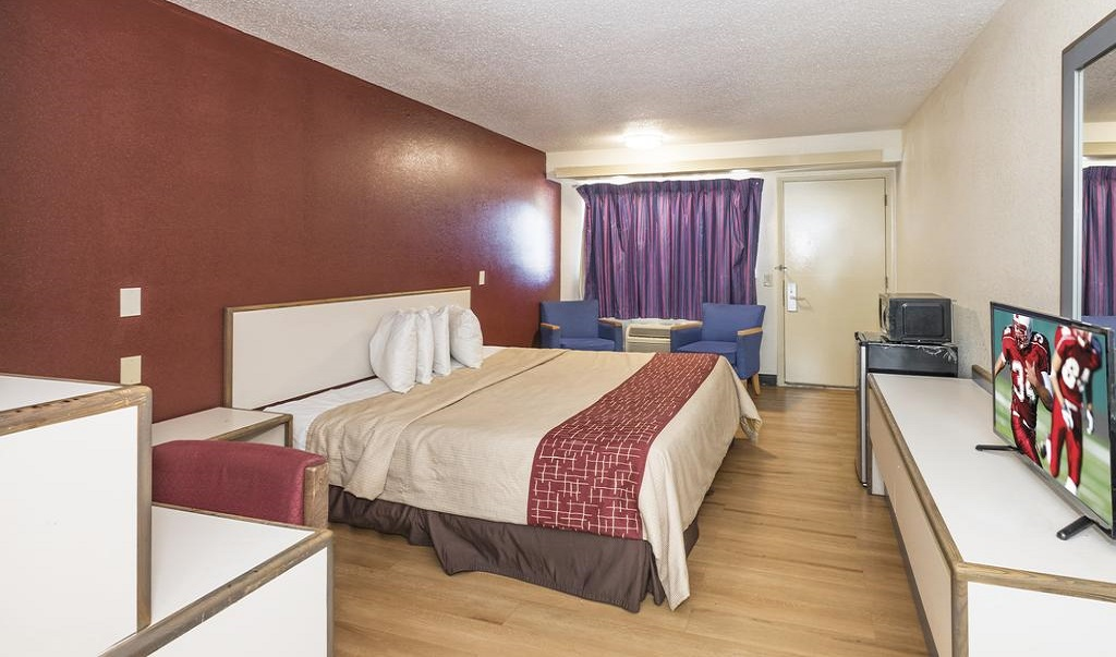 Red Roof Inn Atlanta - Single Bed
