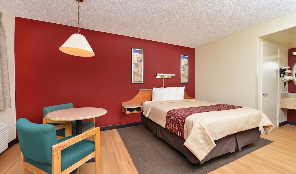 Red Roof Inn Gallup - Single Bed