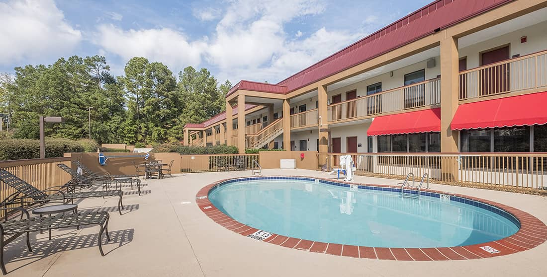 Red Roof Inn Tupelo - Pool