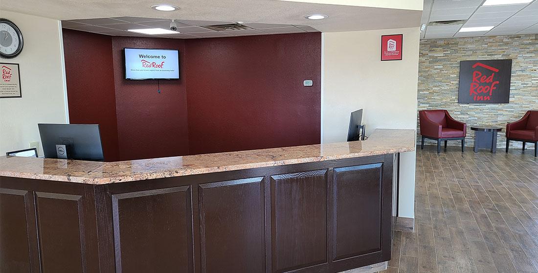 Red Roof Inn Staunton - Lobby Area