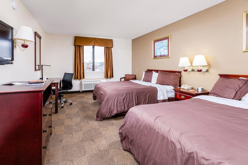 Regency Inn & Suites Biloxi - Double Queen Beds Room