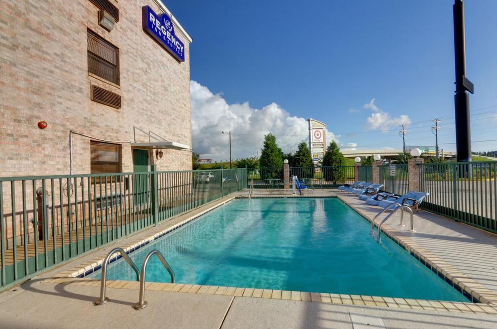 Regency Inn & Suites Biloxi - Outdoor Pool