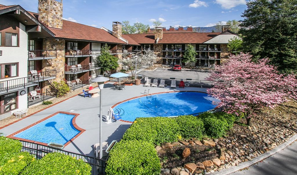 River Edge Motor Lodge Gatlinburg - Pool-2