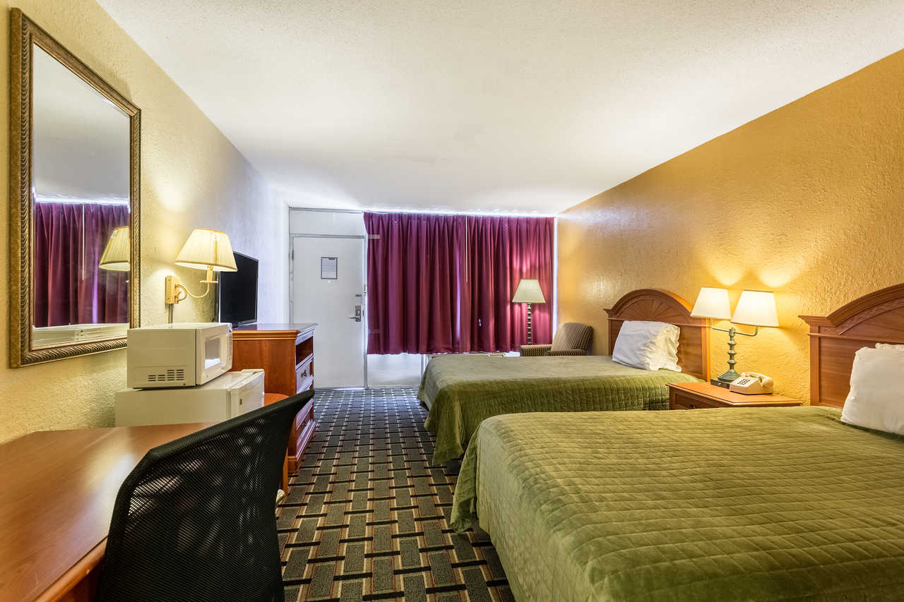 Rodeway Inn Denmark - Double Beds