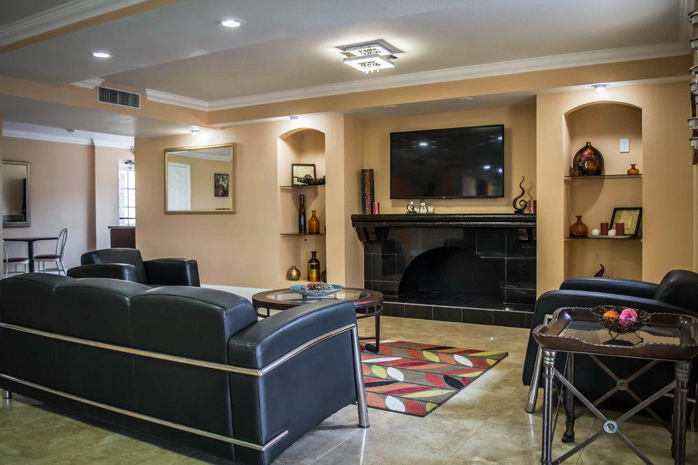 Rodeway Inn Near Ybor City Tampa - Lobby Area-2