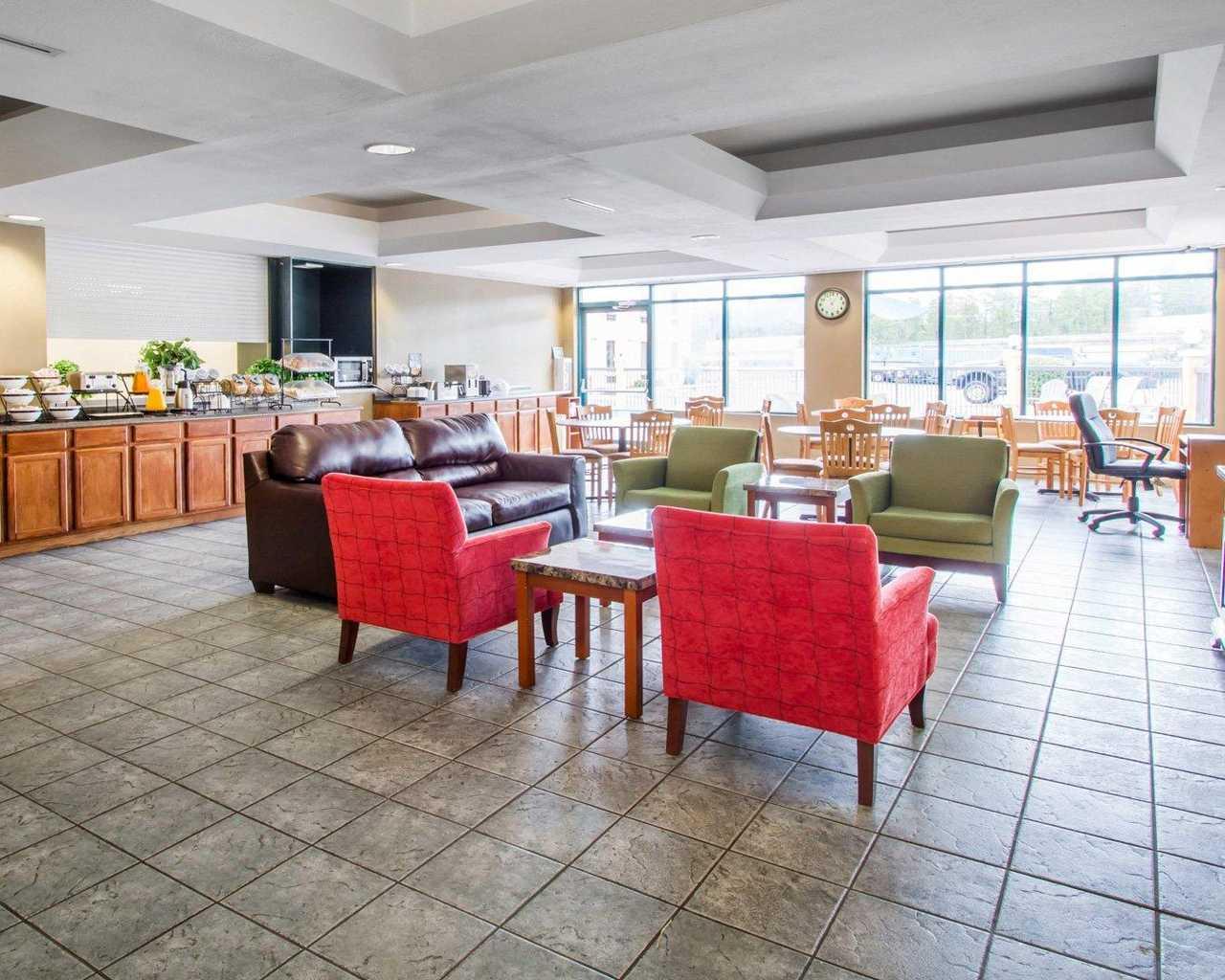 Rodeway Inn Wesley Chapel - Lobby-2