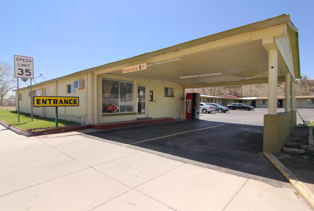 Route 66 Inn -  Entrance