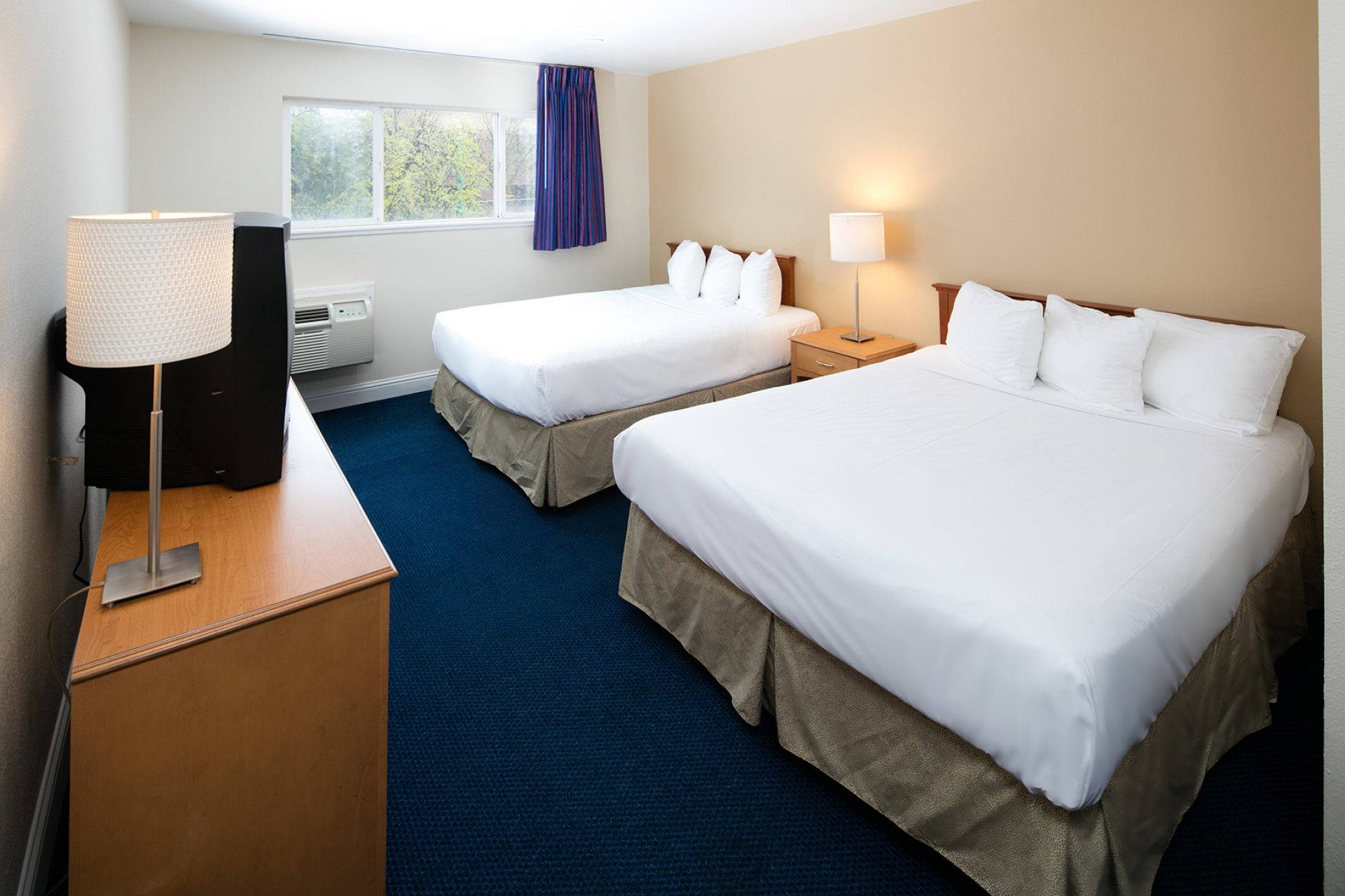 Roy_Inn_and_Suites_Sacramento_Midtown_Double_Beds-1