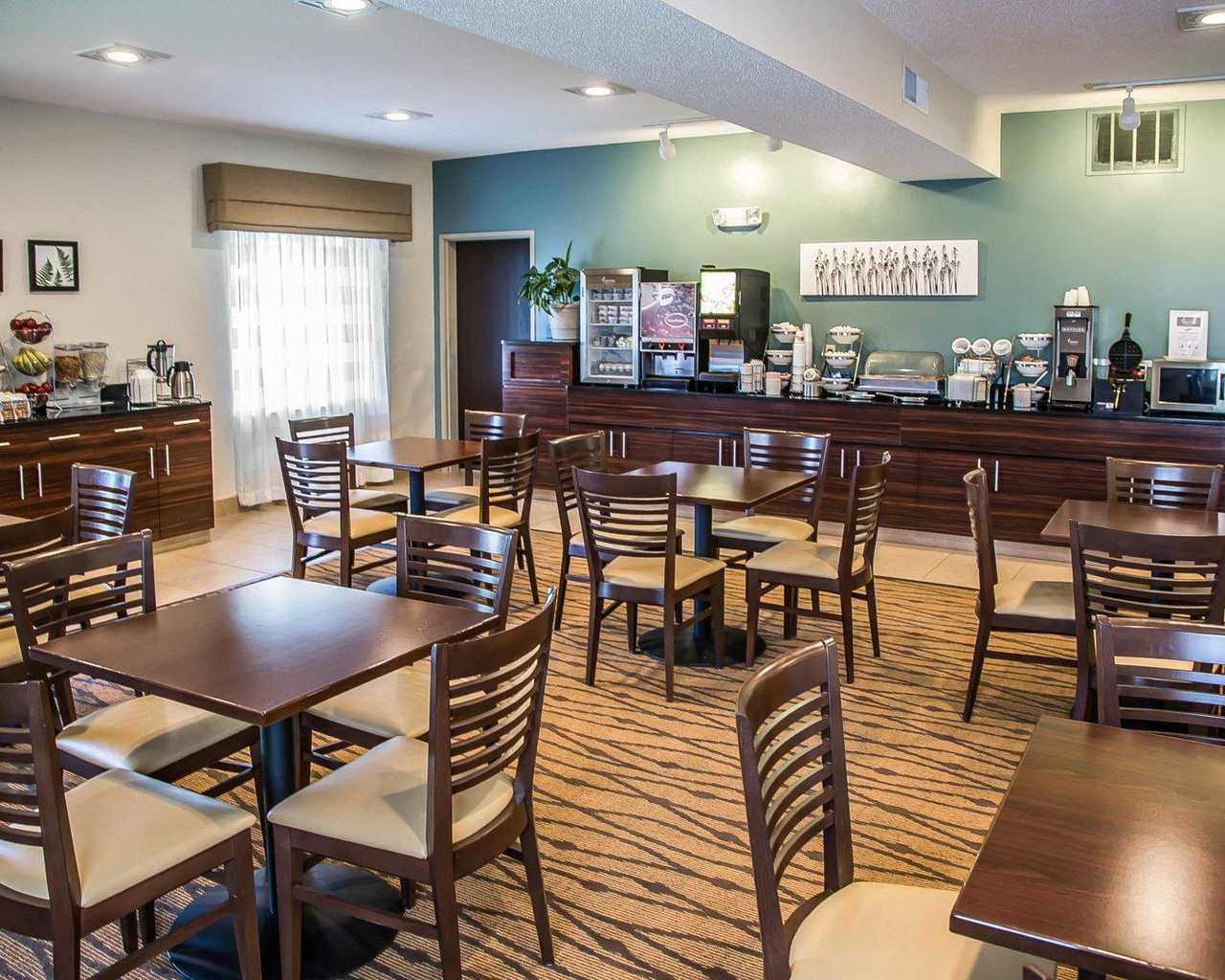 Sleep Inn & Suites Davenport - Breakfast Area