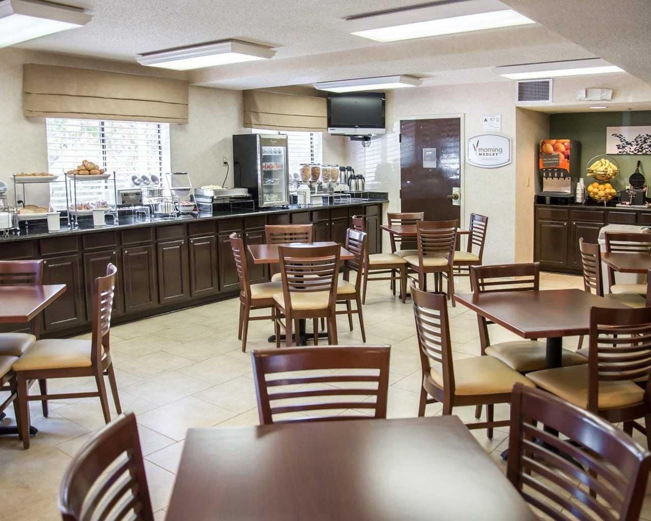 Sleep Inn University Place Charlotte - Breakfast Area