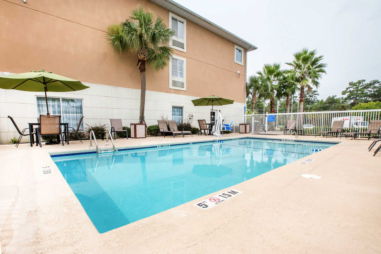 Sleep Inn & Suites Valdosta - Pool
