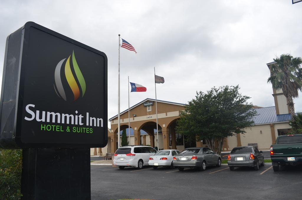 Summit Inn Hotel & Suites - Exterior-1