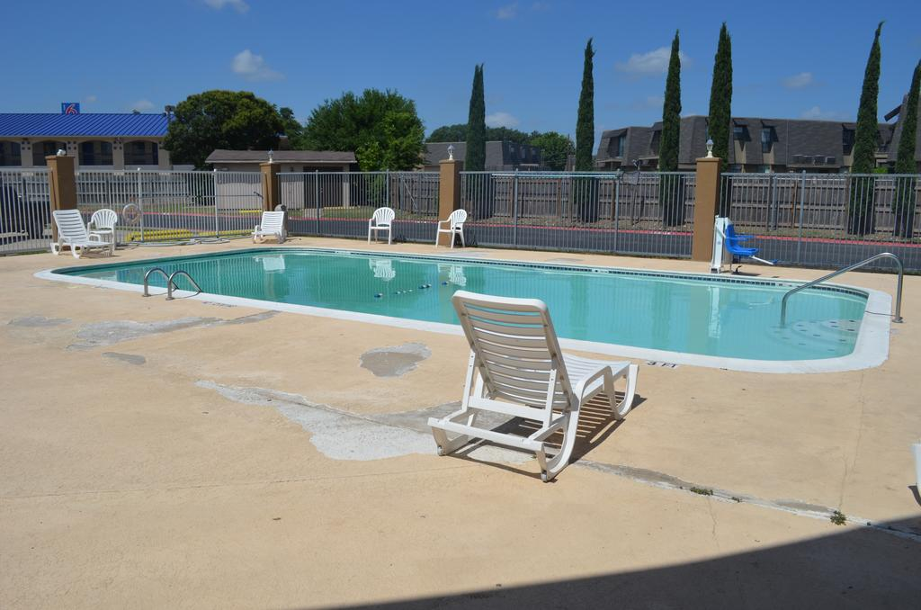 Summit Inn Hotel & Suites - Pool