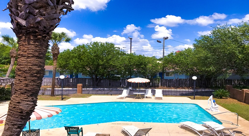 Super Value Inn Hotel - Pool