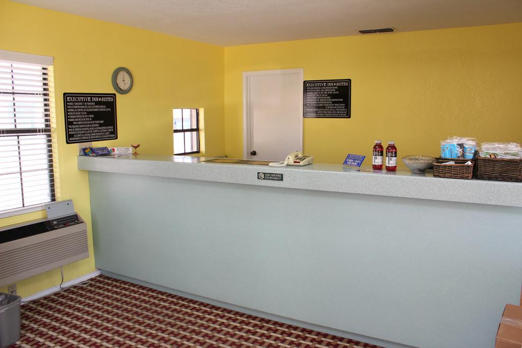 Texas Inn San Benito - Reception