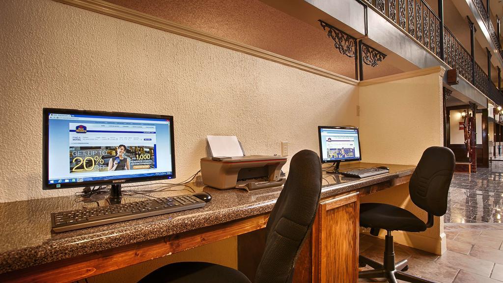 Chateau Louisiana Suite - Computer-Internet Area