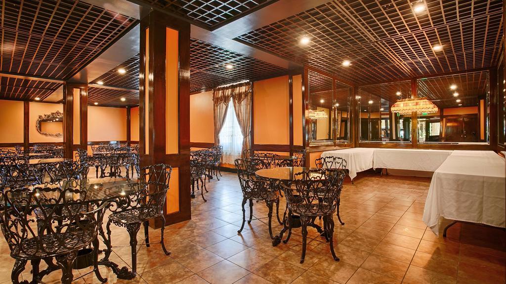 Chateau Louisiana Suite - Dinning Area2