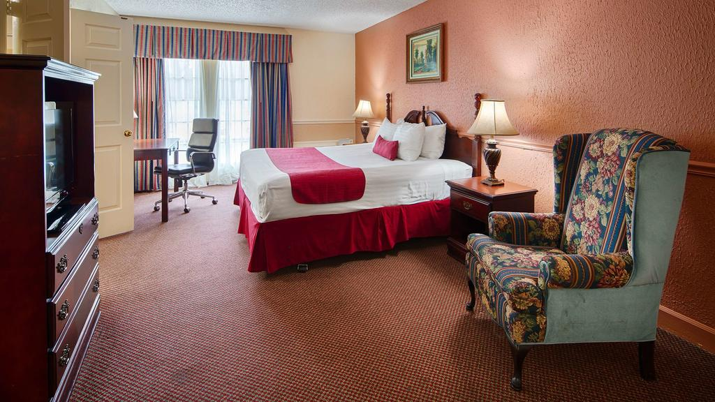 Chateau Louisiana Suite - King Bed Room