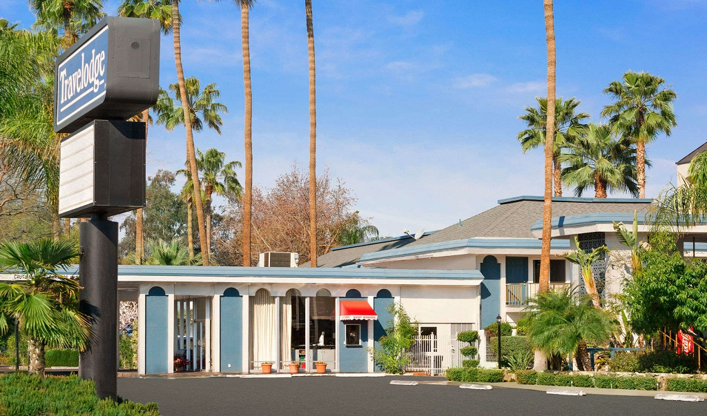 Travelodge Bakersfield - Exterior-1