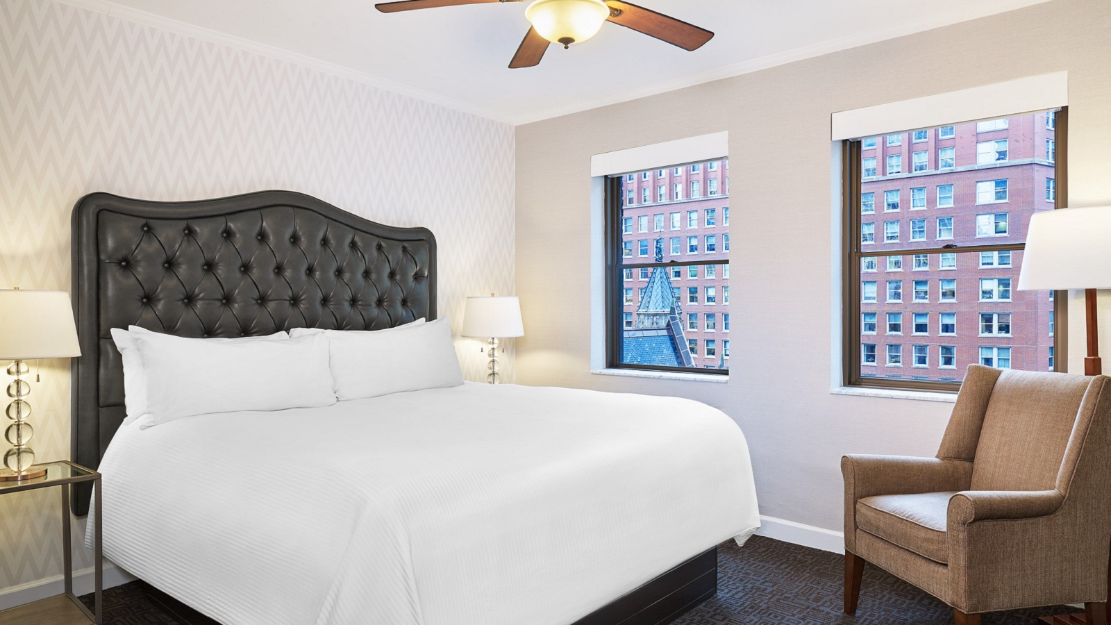 Tremont Chicago Hotel - Traditional Queen Room