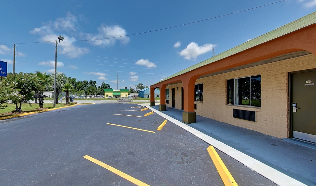 Americas Best Value Inn Savannah - Parking Area