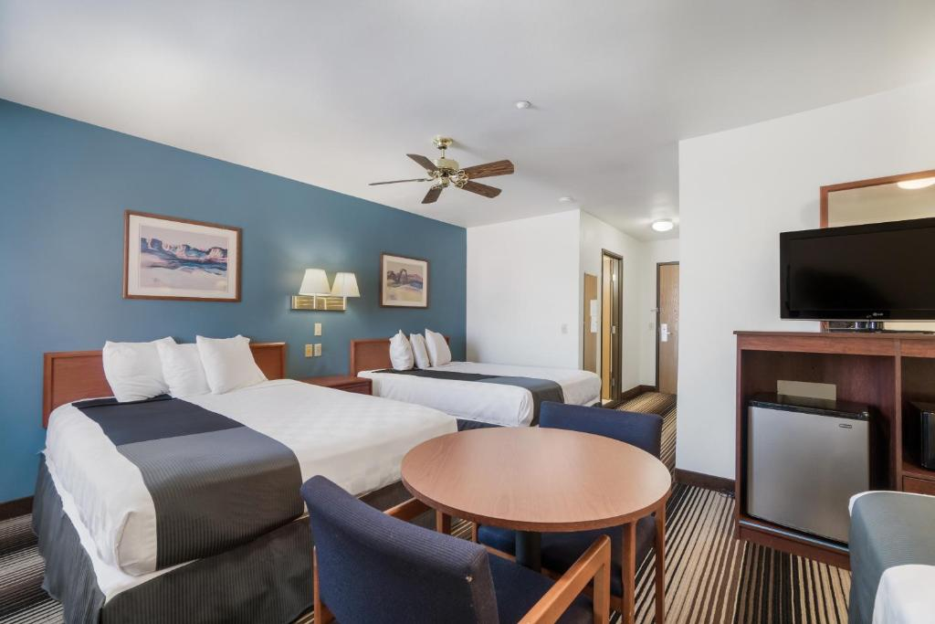 Americas Best Value Inn Green River - Double Beds Room-5