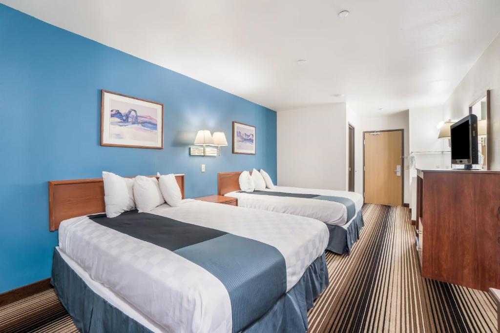 Americas Best Value Inn Green River - Double Beds Room-1