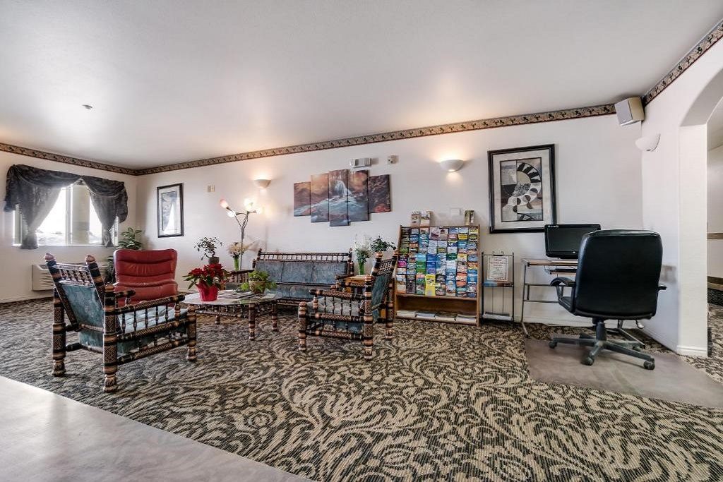 Americas Best Value Inn Green River - Lobby Area-3