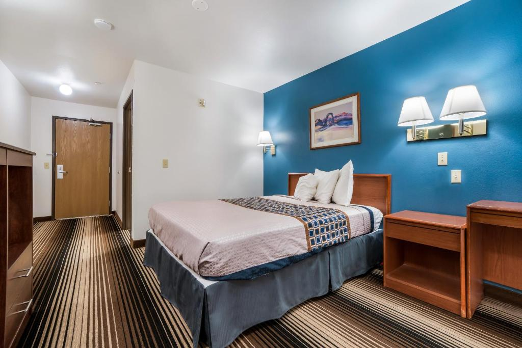 Americas Best Value Inn Green River - Single Bed Room