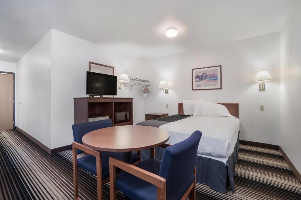 Americas Best Value Inn Green River - Single Bed Room-3