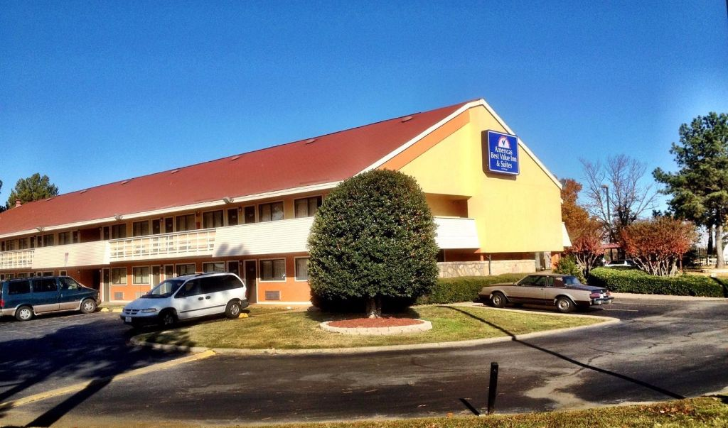 Americas Best Value Inn Little Rock- Exterior