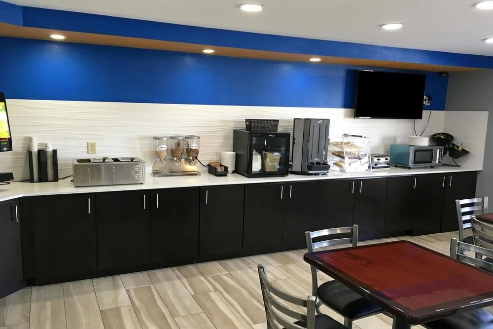 ABVI Denham Springs - Breakfast Area-3