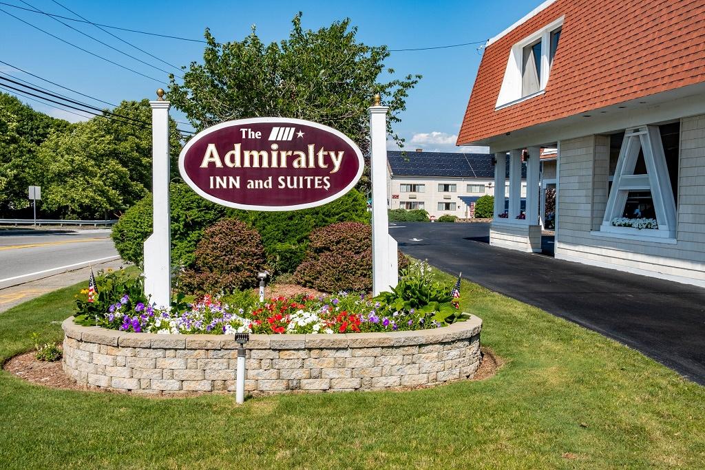 Admiralty Inn & Suites - Exterior-1