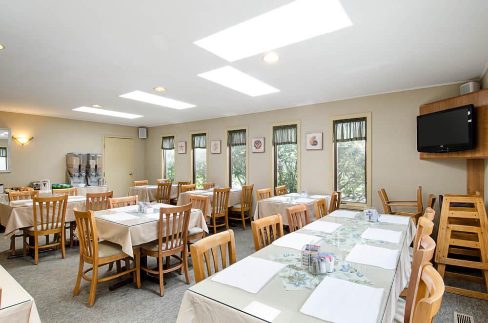 All Seasons Resort Cape Cod - Breakfast Seating Area-2