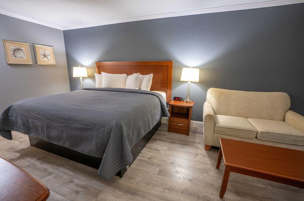 All Seasons Resort Cape Cod - Single Bed Room-2