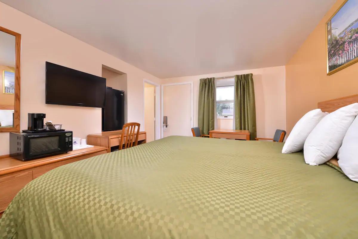 Americas Best Value Inn Jonesville - King Bed Room-3