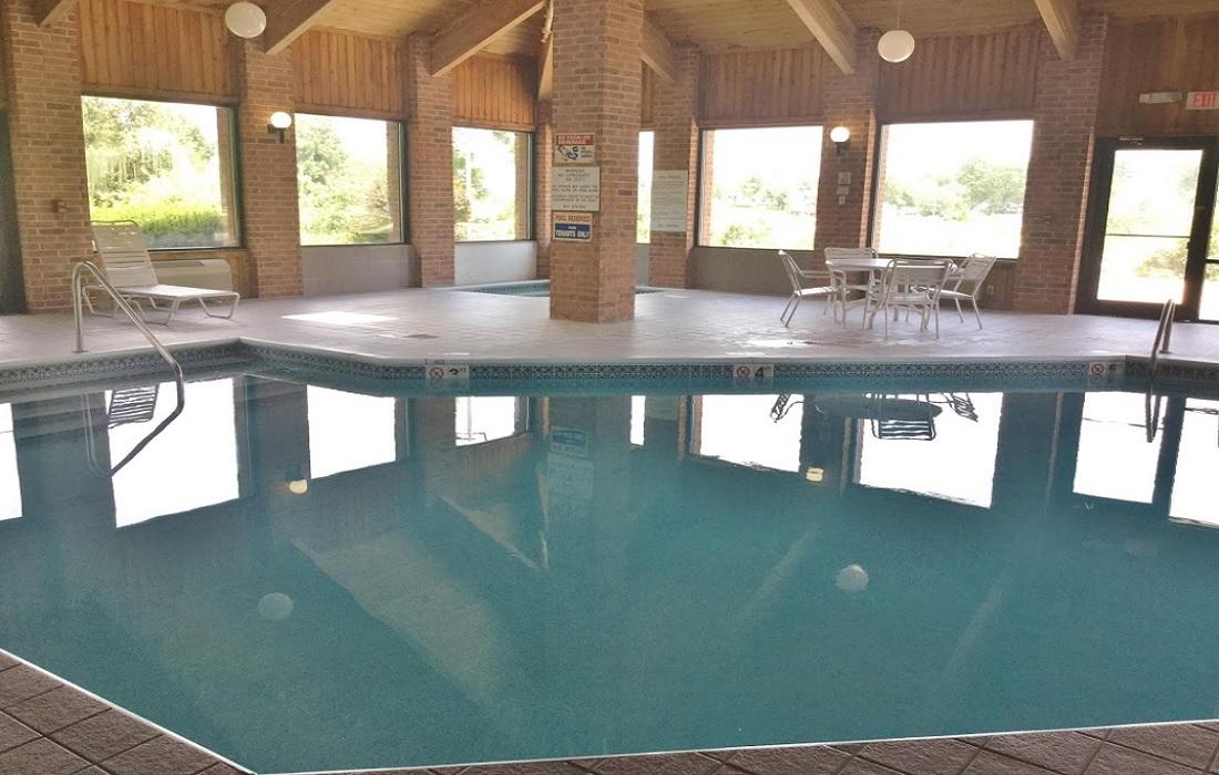 Amerihost Inn & Suites - Indoor Pool-3