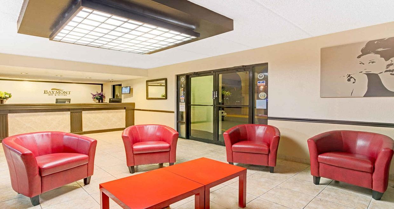 Baymont Inn & Suites - Lobby
