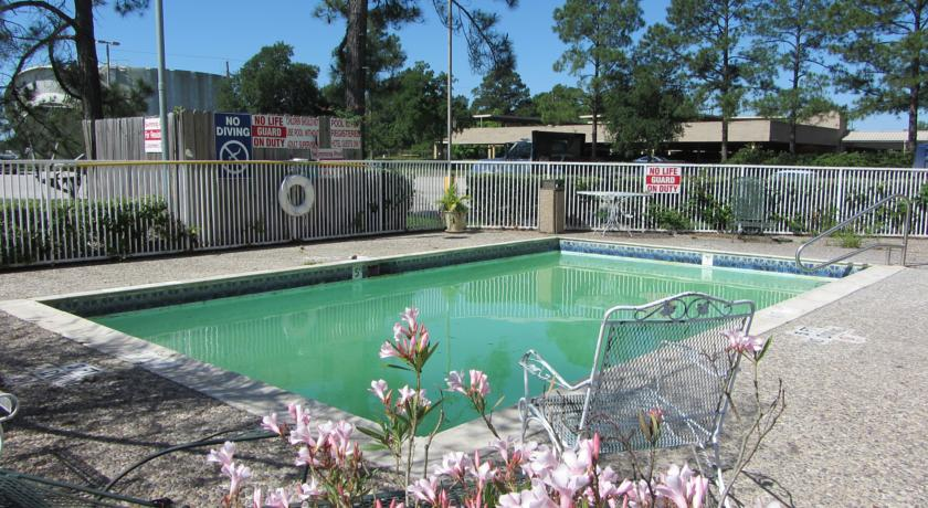 Americas Best Value Inn & Suites - Pool
