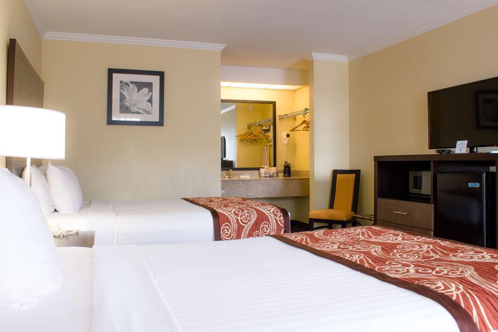 Best Western Mckenzie - Double Beds Room -2