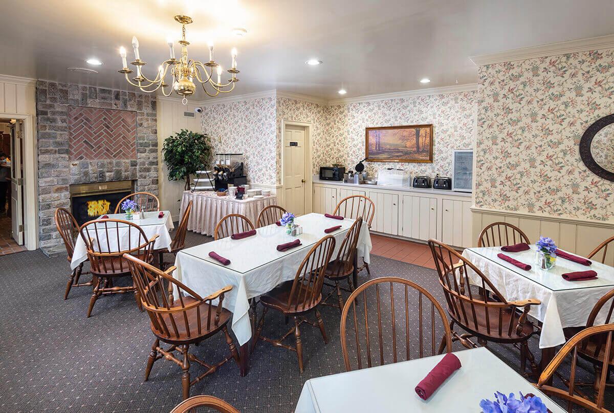 Brandywine River Hotel - Breakfast Area-1