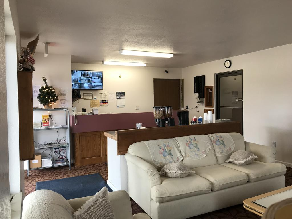 Brass Bell Inn and Suites - Breakfast Area-2