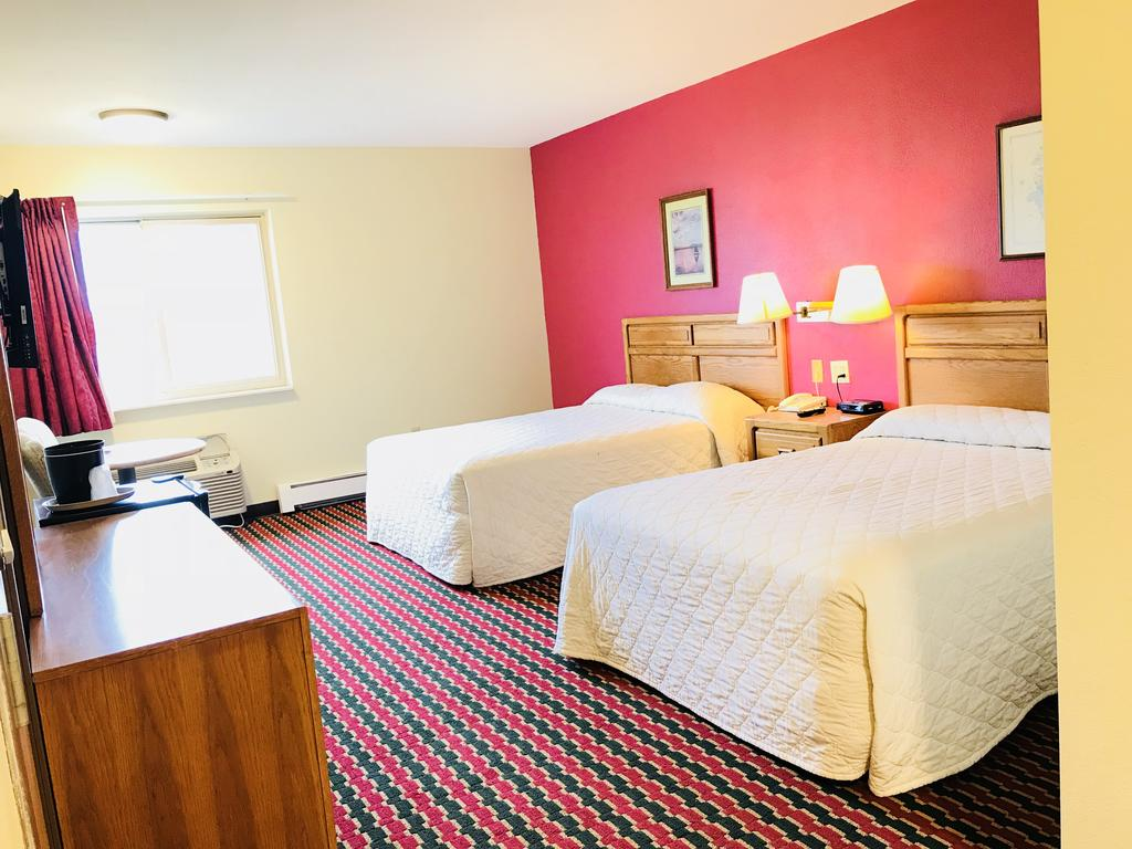 Brass Bell Inn and Suites - Double Beds-4