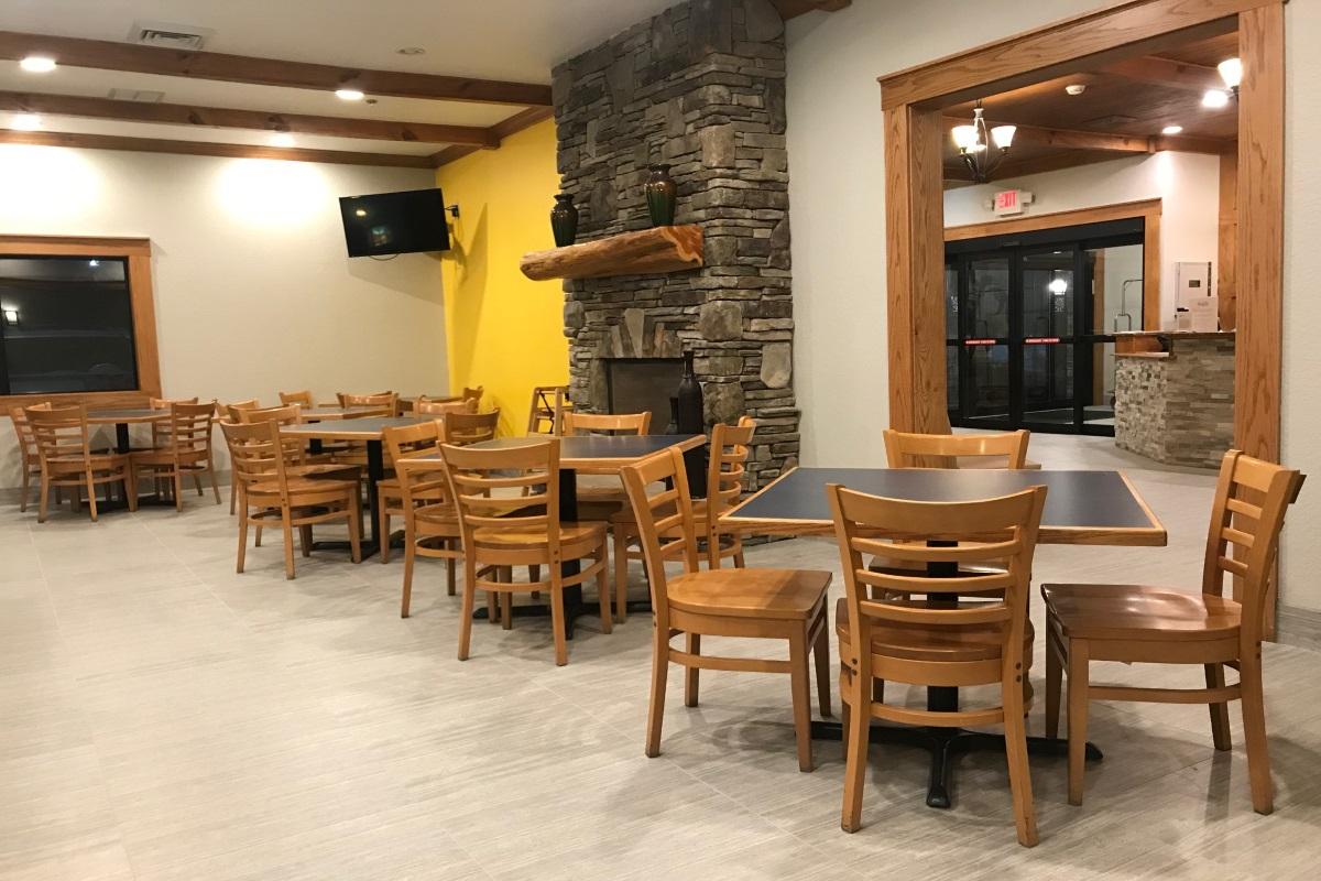 Brookstone Lodge Asheville - Breakfast Area-1
